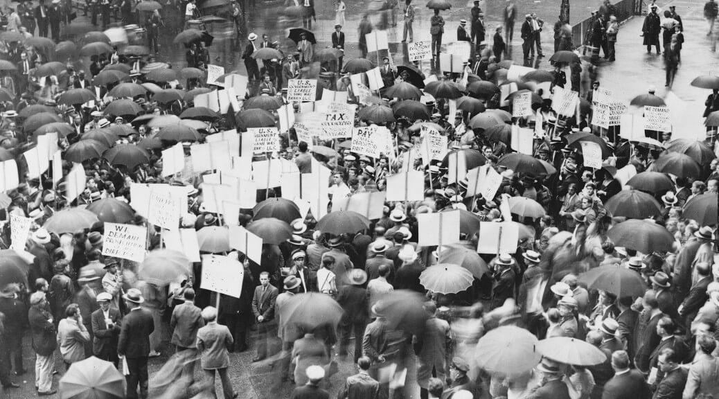 Protestors outside the Bank of the United States after its failure in 1931